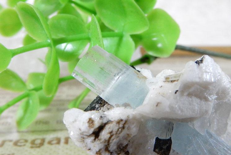 アクアマリン 原石(ブラックトルマリン・水晶共生)-1