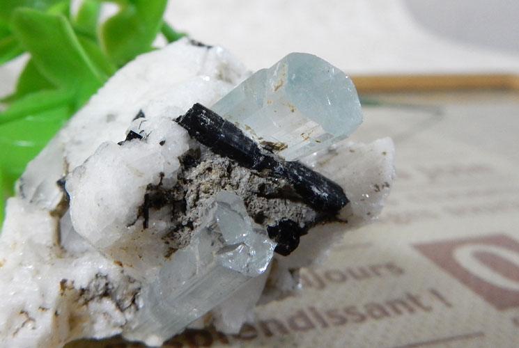 アクアマリン 原石(ブラックトルマリン・水晶共生)-2