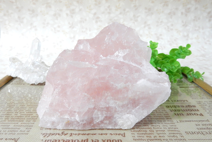 ブラジル産ローズクォーツ 原石
