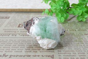 フローライトの原石(15-gs1028-01)