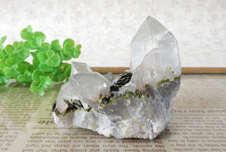 ヒマラヤ産クォーツ(水晶)のクラスター(エピドート共生)-6