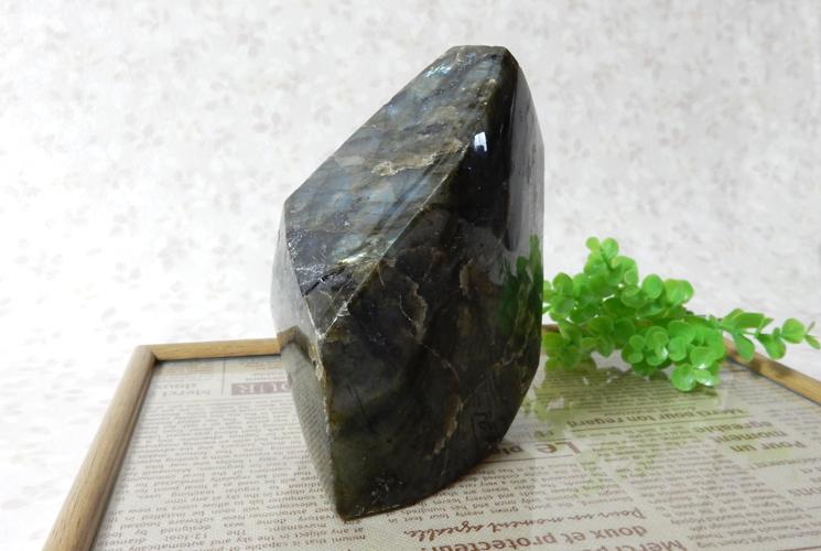 ラブラドライトの磨き石-0
