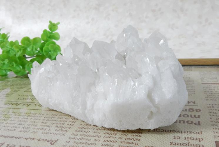 四川省産クォーツ(水晶)のクラスター-2