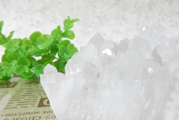 四川省産クォーツ(水晶)のクラスター-3