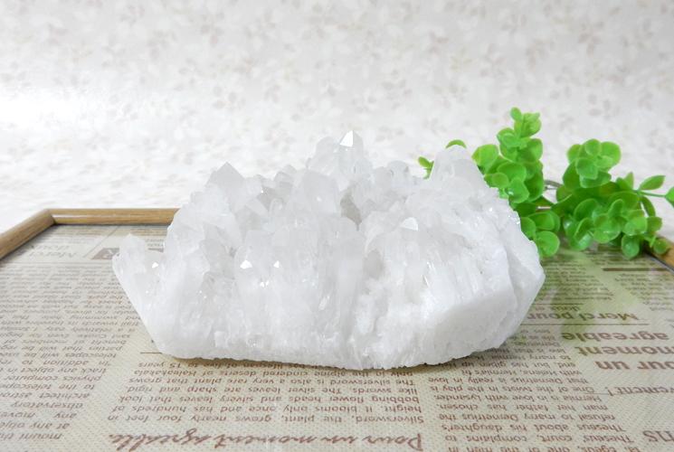 四川省産クォーツ(水晶)のクラスター