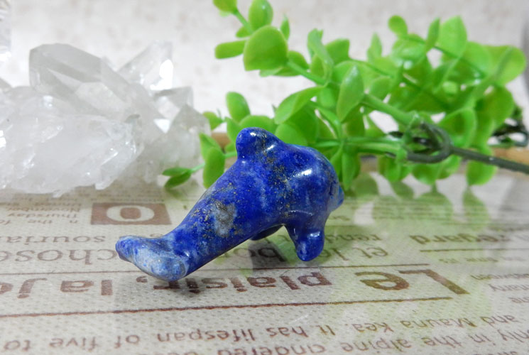 ラピスラズリのイルカの置物-2