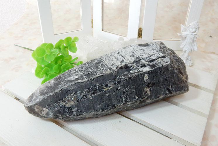 チベット産モリオン(黒水晶)のポイント