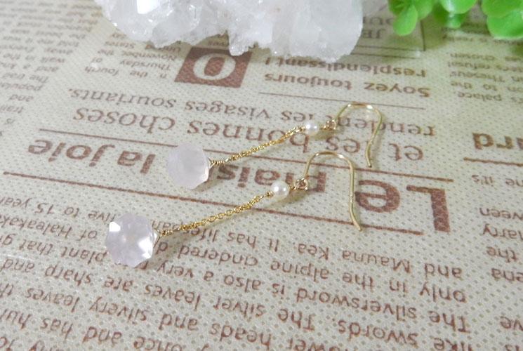 宝石質ローズクォーツの14KGFフックピアス