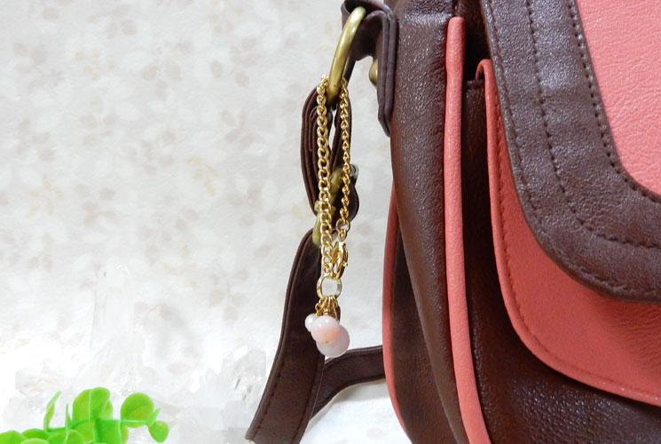 ローズクォーツとピンクオパールのバッグチャーム-1