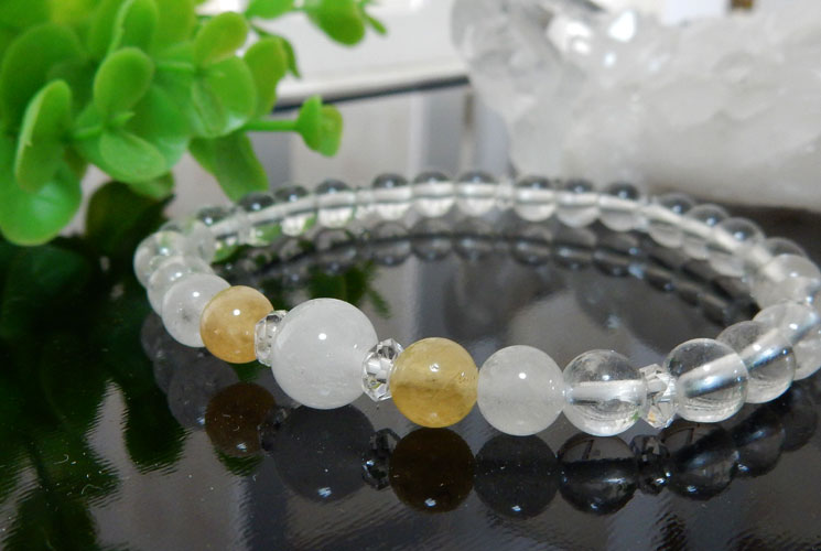 ヒマラヤ水晶とアゼツライトのブレスレット-0