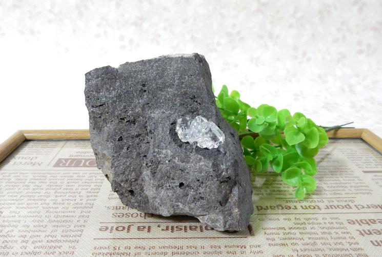 ニューヨーク産母岩付ハーキマーダイヤモンドの原石