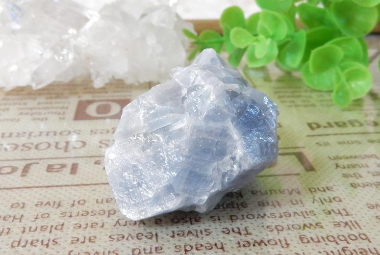 ピーチカルサイトとブルーカルサイトの原石セット-2