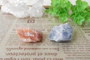 ピーチカルサイトとブルーカルサイトの原石セット(16-gs0114-02)