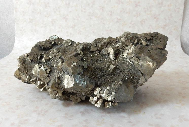 ペルー産パイライトのビッグ原石-1