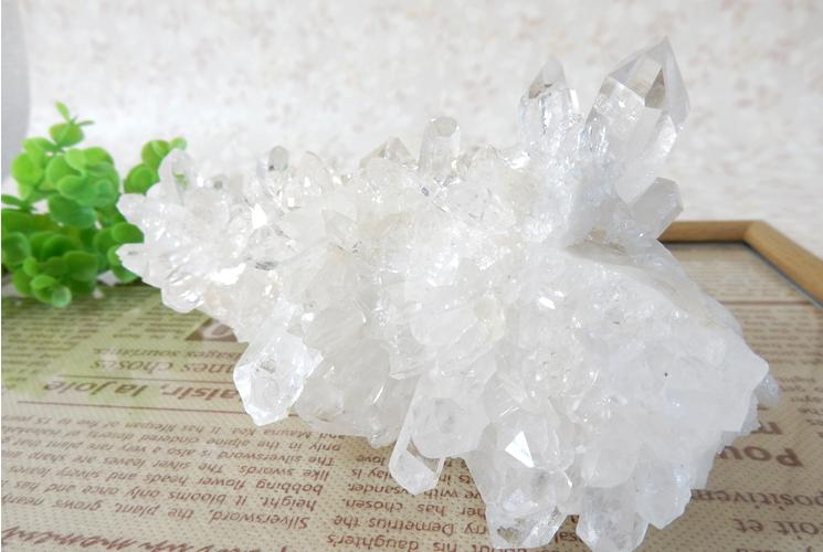 ヒマラヤ産の水晶クラスター-0