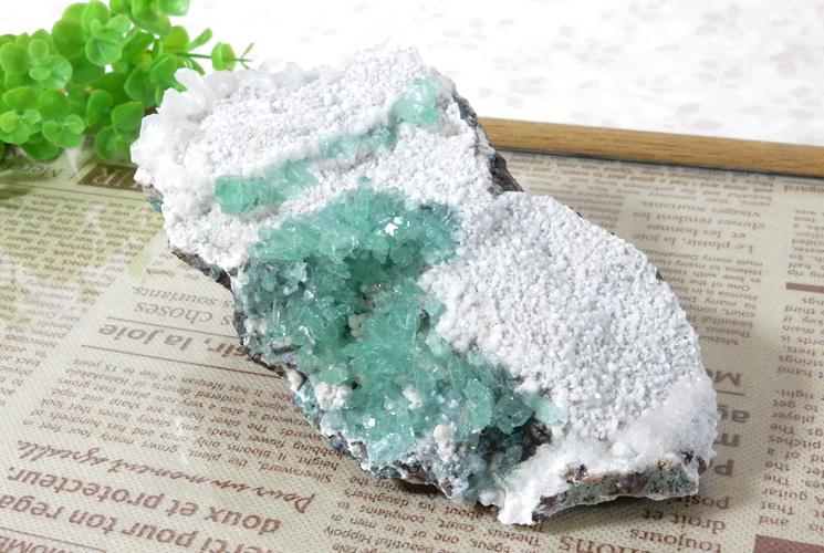 インド産グリーンアポフィライトの原石-3