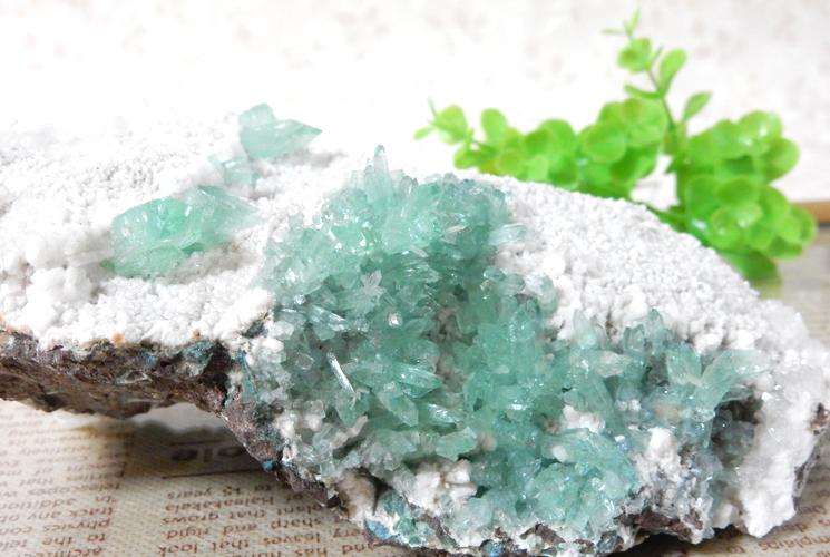 インド産グリーンアポフィライトの原石-4