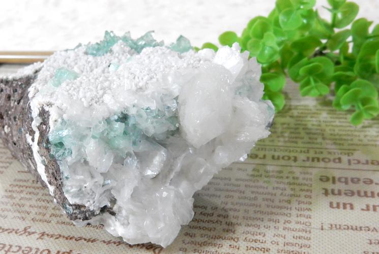 インド産グリーンアポフィライトの原石-6