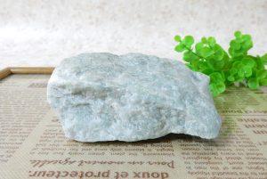 糸魚川産ジェダイド(翡翠)の原石(16-gs0201-03)