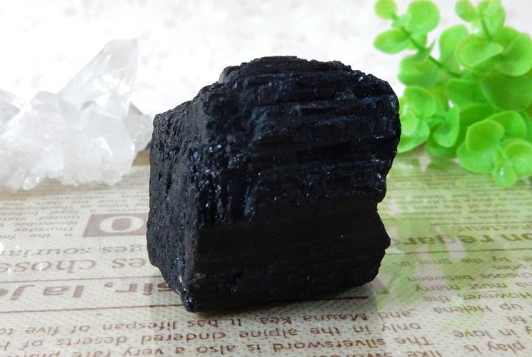 ブラックトルマリンの原石-2