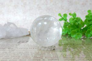 ホワイトカルサイトの丸玉(スフィア)(16-gs0501-03)