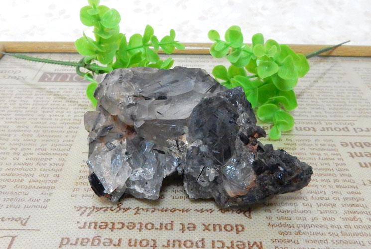 ブラジル産トルマリンインクォーツの原石