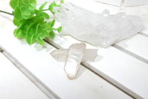 ヒマラヤ・マニカラン産水晶のポイント2本セット(16-gs0728-02)