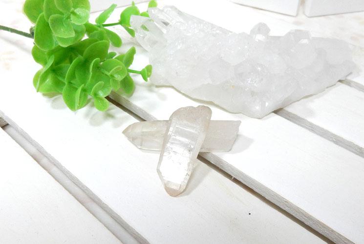 ヒマラヤ・マニカラン産水晶のポイント2本セット