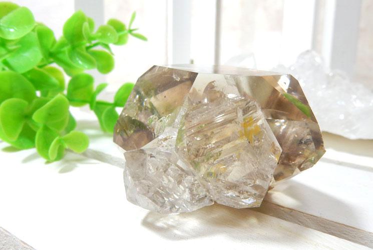 ハーキマーダイヤモンドの原石-2