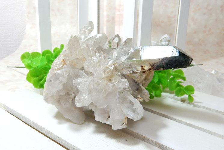 ヒマラヤ・ガネーシュヒマール産水晶のクラスター-3