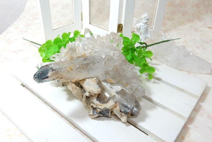 ヒマラヤ・ガネーシュヒマール産水晶のクラスター