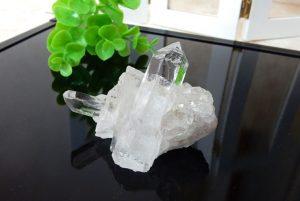 ブラジル産水晶のクラスター(16-gs1024-02)