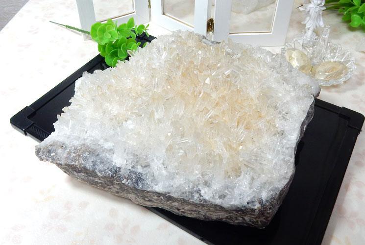 四川省産水晶のビッグクラスター
