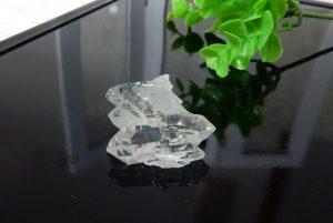 ブラジル産ファーデンクォーツ(トルマリン内包)の小さな原石(16-gs1127-02)