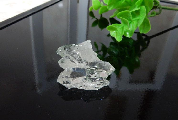 ブラジル産ファーデンクォーツ(トルマリン内包)の小さな原石