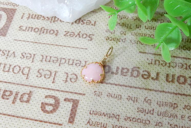 ピンクオパールのプチペンダント