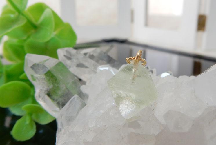 フローライト結晶のペンダント-2