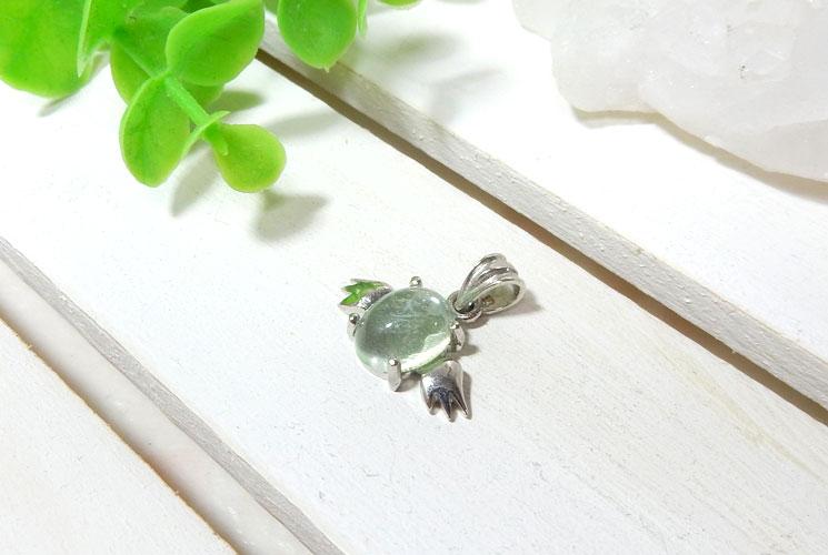 【特価品】グリーンアメジストの天使モチーフSV925ペンダント