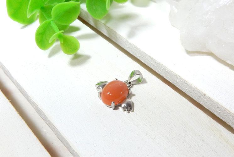 【特価品】オレンジムーンストーンの天使モチーフSV925ペンダント