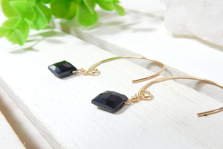 ブラックスピネルのダイヤ型フックピアス-0