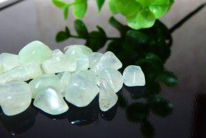 オーストラリア産プレナイトのさざれ石(100g)(16-sz1025-03)
