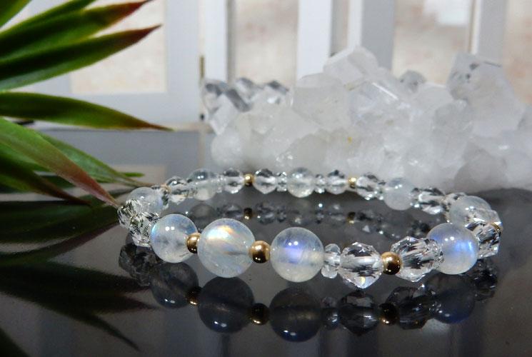 レインボームーンストーンとクォーツ(水晶)のブレスレット-0