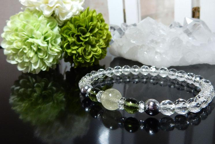 リビアンデザートグラスとクォーツ(水晶)のブレスレット-0