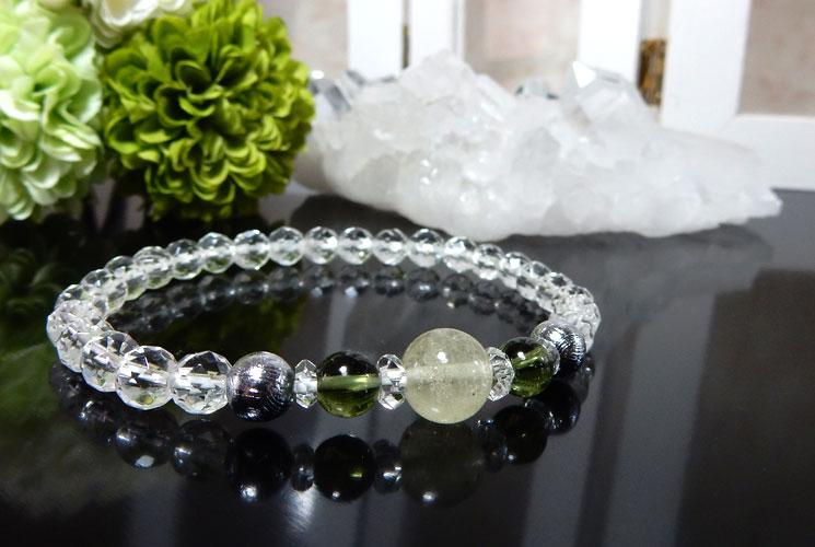 リビアンデザートグラスとクォーツ(水晶)のブレスレット-1