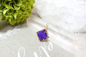 高品質スギライトのダイヤ型ペンダント(17-nk0918-02)