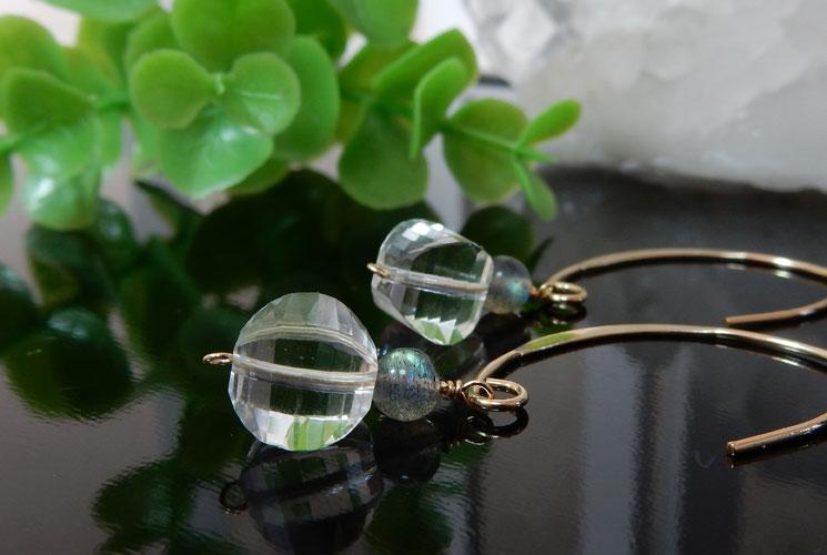水晶とラブラドライトのフックピアス-0