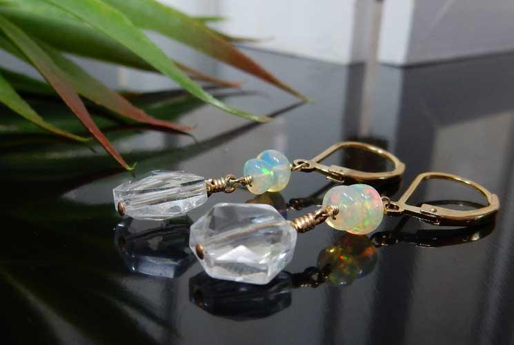 オパールと水晶のレバーバックピアス-0