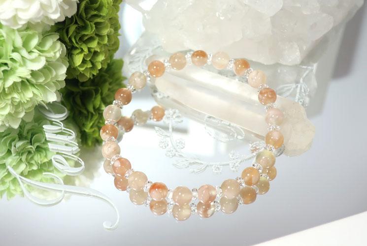桜めのうとクォーツ(水晶)のブレスレット