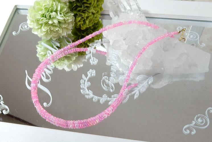 ピンクカラーオパールのネックレス