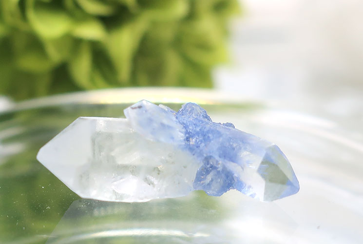 デュモルチェライトインクォーツの小さな結晶-4